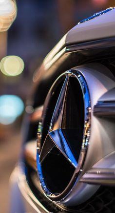 Mercedes Benz Logo - Emblem - Badge