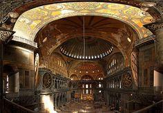 #127 ❘ Une église construite sur l'ancien temple d'Artémis, qui devint la basilique Sainte-Sophie de Constantinople devenue elle-même une mosquée puis enfin un musée !