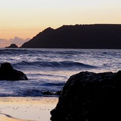 South #Devon Gara Rock To Bolt Head #Salcombe Autumn Sunset We love where we live and work #PebblesofSalcombe