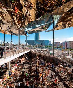 Ganador general de edificios en uso: Mercado de los Encants Flea por B720 Arquitectura. Fotografía © Inigo Bujedo Aguirre.