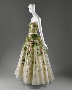 """House of Dior (French, founded 1947). """"May"""", spring/summer 1953. Silk. The Metropolitan Museum of Art, New York"""
