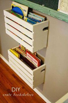 Ideas diy shelves for kids room organizations wooden crates Crate Bookshelf, Gutter Bookshelf, Wood Crate Shelves, Pallet Shelves, Wooden Crates On Wall, Apple Crate Shelves, Hanging Bookshelves, Ladder Shelf Diy, Diy Shelving