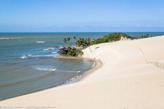 Praia de Genipabu, em Natal, Rio Grande do Norte, Brasil.  Fotografia: Ricardo Junior / www.ricardojuniorfotografias.com.br