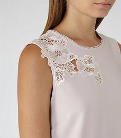 Women's Clothes - Trendy Fashion Clothing For Sale Online Blouse Styles, Blouse Designs, Trendy Outfits, Fashion Outfits, Modelos Fashion, Stylish Blouse Design, Lace Tops, Dress Patterns, Ideias Fashion