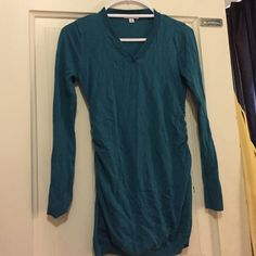 Maternity sweater Teal colored maternity sweater Liz Lange Tops