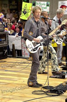 David Bowie Performing on the Today Show Concert Series at Rockefeller Center in New York City 9/18/2003 Photo By:john Krondes/Globe Photos, Inc