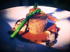 COLA DE BUEY CON SETAS AL VINO TINTO by billy Baroja @Cookbooth http://www.cookbooth.com/recipe//cola-de-buey-con-setas-al-vino-tinto-61533