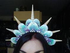 Tiara Shell Mermaid made by hand. Mermaid Diy, Mermaid Cove, Mermaid Crafts, Seashell Crafts, Mermaid Makeup, Mermaid Shell, Little Mermaid Parties, The Little Mermaid, Sexy Mermaid Costume