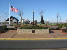 Misty_of_Chincoteague_statue_01