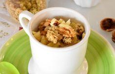 Un mug cake es muy fácil de preparar y toma apenas unos minutos con la ayuda de una taza y un microondas: hoy te contamos cómo hacerlo con manzana y nueces.