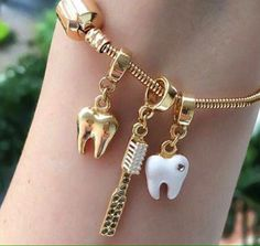 Uploaded by Evelyn. Find images and videos about bracelet, teeth and Dentista on We Heart It - the app to get lost in what you love. Dental Hygiene School, Dental Life, Dental Art, Dental Humor, Dental Assistant, Dental Hygienist, Teeth Health, Oral Health, Dental Implant Surgery