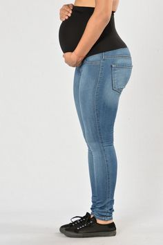 Our Classic High Waist Skinny Jeans have been updated for our NovaMoms-to-Be! These jeans feature a full maternity panel which comfortably stretches over the belly to provide maximum coverage and supp