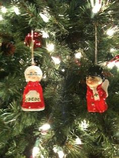 Uncle Mistletoe and Aunt Holly Christmas Ornaments from Marshall Fields.