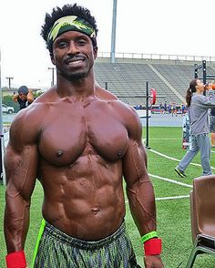 """YOU HAVE TO CHEAT! I'm talking about doing cheat reps. It seems that real growth comes from sacrificing form, just a little, to get those last few reps."" Name: Antjuane Sims Occupation: Health and Fitness Educator City/State/Country: Los Angeles, CA, USA Age: 41 Height: 5′ 6″ ..."