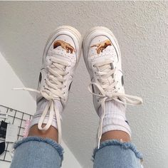 outfits with air force ones ~ outfits & outfits for school & outfits with leggings & outfits with air force ones & outfits aesthetic & outfits casuales & outfits for summer & outfits with sweatpants Dr Shoes, Hype Shoes, Sock Shoes, Me Too Shoes, Custom Painted Shoes, Custom Shoes, Custom Clothes, Looks Hip Hop, Custom Af1