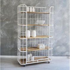 bakkerskast voor in de keuken? Of beter een oude industriele stellingkast?
