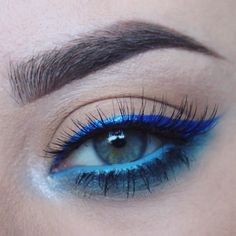 ️ blue on blue on blue.    @nyxcosmetics extreme blue liquid liner.  @maccosmetics hi def cyan chromographic pencil and tilt eyeshadow.  @urbandecaycosmetics fringe and revolt eyeshadows from the electric palette.  @kissproducts blooming lashes in Lily.    BROWS::  @anastasiabeverlyhills brunette brow powder.  @maccosmetics tailor gray paintpot.    #blue #statementliner #bleu #azul #eyeliner #makeup #nyx #anastasiabeverlyhills #brows #kisslashes #urbandecay #mac