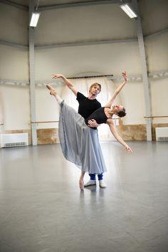 Karl Paquette and Laetitia Pujol rehearse La Source POB