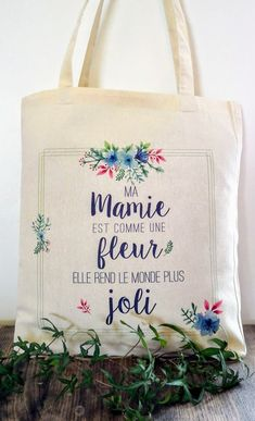 Tote bag mamie fête des grands mères Diy Cadeau Maitresse, Mini Albums Scrap, Mothers Day Crafts, Gifts For Dad, Gift Tags, Tote Bag, Diy And Crafts, Cricut, Deco