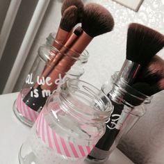 Potjes voor make up kwasten