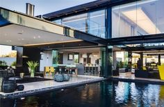 Ber House by Nico van der Meulen March van der Meulen Architects designed this contemporary home for one single family. Situated in Midrand, House Ber presents i. Design Villa Moderne, Modern Villa Design, Architecture Design, Contemporary Architecture, Contemporary Interior, Conception Villa, Modern Glass House, South African Homes, Design Exterior