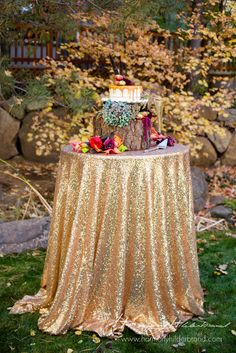 We are in love with this fall cake table <3                              …