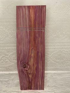 Strukturiertes Holz mit Granatapfelesenz Door Handles, Home Decor, Timber Wood, Homes, Door Knobs, Decoration Home, Room Decor, Home Interior Design, Home Decoration