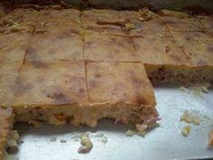A Torta de Batata de Liquidificador é deliciosa, fácil de fazer e rende muito. Faça e garanta uma opção de lanche que todos vão adorar! Veja Também: Torta