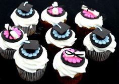 graduation cupcakes Graduation Cupcakes, Graduation Ideas, Yummy Cupcakes, Cupcake Cookies, School Cake, Tasty, Yummy Food, Taylors, Cupcake Ideas