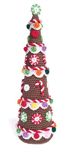 Gingerbread Tree by Carolyn Christmas - This pattern is available for free. Simple stitches and techniques make this sweet gingerbread tree for your holiday decorating!  Enjoy!  For more information, see:http://www.carolynchristmasdesigns.blogspot.com/2013/12/gingerbread-tree.html