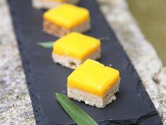farine, sucre de canne, beurre demi-sel, huile, jus de citron, citron, jaune d'oeuf, sucre, beurre