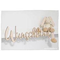 Wunderschöne Holzschilder mit Wunschname – perfekt für Wand, Tür oder Möbel. Original Design, Place Cards, Place Card Holders, Door Letters, Great Gifts