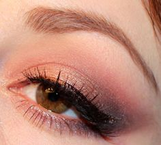 Rosy wearable eye using the Urban Decay Naked 3 Palette - Luhivy's Favorite Things