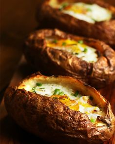 Servings: 3 INGREDIENTS3 russet potatoes2 tablespoons olive oil2 teaspoons salt1 tablespoon butter2 ounces cheddar cheese1 tablespoon bacon, diced3 eggs2 teaspoons salt1 teaspoon pepper1 tablespoon chives, choppedPREPARATIONPreheat the oven to 350°F/180°C.On a baking sheet, oil the potatoes well and sprinkle with salt. Bake for about one hour. If making more potatoes, an additional 15 minutes per potato is needed. Once cooled, cut the potatoes vertically, scoop out the inside, and save the…