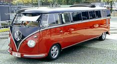 VW Camper Van - VW camper van is one of the rare vehicles that seemed to go beyond mere transportation. VW is one of the first manufacturers of campervan. Volkswagen Bus, Volkswagen Transporter, Kombi Trailer, Vw Caravan, Toyota Prius, Bus Camper, Combi Ww, Vw Vintage, Vw Cars