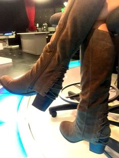 THE APPRECIATION OF BOOTED NEWS WOMEN BLOG : THE JACEY BIRCH STYLE FILE Birch, Boots, Appreciation, Oven, Sink, News, Style, Fashion, Crotch Boots