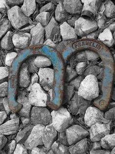 stones & horseshoes