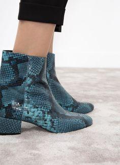 69b256a4b7e De 13 bedste billeder fra Shoes   Heels, Shoes heels og Boots