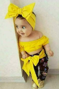 In this video, we will show you beautiful stylish kids outfit ideas, baby girls dress designs, cute Kids Style & more. Find out the perfect outfits for your . So Cute Baby, Baby Kind, Cute Baby Clothes, Cute Kids, Fashion Kids, Baby Girl Fashion, Baby Girl Images, Cute Baby Girl Pictures, Funny Baby Photos
