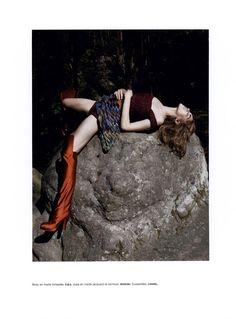 Numéro - Goutte d'eau sur pierres brulantes Viviane Sassen - Photographer