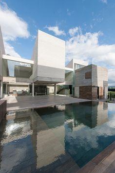 Casa Datri & Dasa / [mavarq] http://www.archdaily.com.br/br/760581/casa-datri-and-dasa-mavarq