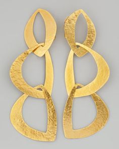 Luxurious links! Love these bold Herve Van Der Straeten clip ons. #15things #earrings #gold #herve #bold #statement