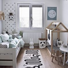 How gorgeous is this little boy's room by @kajastef  OYOY The World rug available in our online store ✨ . #kidsroom #kidsroomdecor #kidsinterior #nordichome #nordicinspiration
