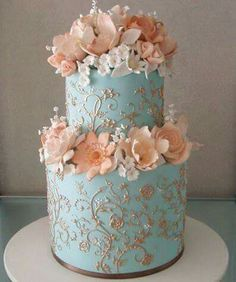 Omg most beautiful cake ive seen yet