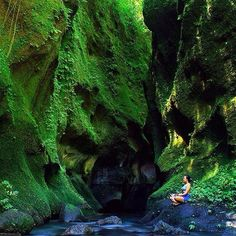 The Green Cliffs and Little Grotto of Undisan Bangli