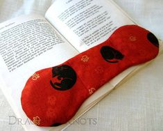 35 Of The Best Book Holders For Reading In Bed, On A Desk, And More Cooking Stand, Thumb Wars, Tula Pink Fabric, Owl Books, Book Holders, Book Stands, Reading In Bed, Woodworking Skills, Pink Patterns