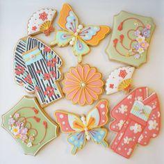 昨日は和風モチーフでレッスンでした。 カラフルな仕上がり。  #sugarcookies #icingcookies #decoratedcookie #customcookies #アイシングクッキー #曲奇#レッスン