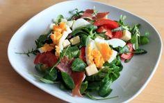 Frisse salade met Emmentaler en rucola (koolhydraatarm)