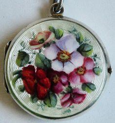 Victorian sterling silver guilloche enamel garden flower locket foil antique vtg