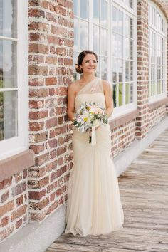 Trendy Wedding Dresses : beautiful wedding dress by Monique Lhuillier - #Dress https://youfashion.net/wedding/dress/trendy-wedding-dresses-beautiful-wedding-dress-by-monique-lhuillier/